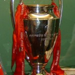 2005_liverpool_trophy_cropped